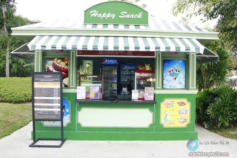 Lots of handy restaurants around Vinpearl Hoi An